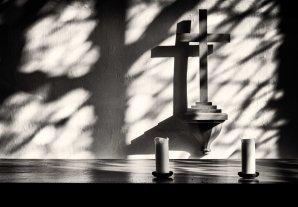 Altar shadows